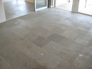 Before: Cantera family room | Cantera Interior | Photo Gallery | Baker's Travertine Power Clean